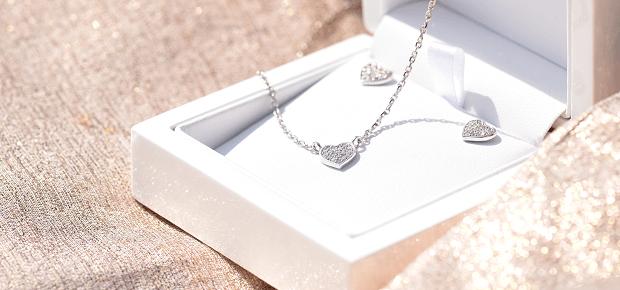 Šperk v kazete